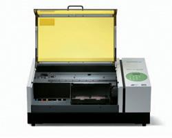 Roland VersaUV LEF 12″ Benchtop UV Flatbed Printer